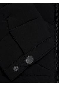 Guess Kurtka puchowa L0YL00 WCOG0 Czarny Regular Fit. Kolor: czarny. Materiał: puch