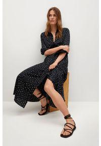 Czarna sukienka mango na spotkanie biznesowe, rozkloszowana, z długim rękawem, casualowa