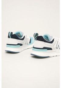 Niebieskie buty sportowe New Balance z okrągłym noskiem, z cholewką, na sznurówki