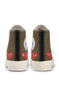COMME DES GARCONS PLAY - Długie trampki khaki z sercami. Wysokość cholewki: przed kolano. Kolor: zielony. Materiał: dresówka, guma, bawełna, materiał. Szerokość cholewki: normalna. Styl: klasyczny #5