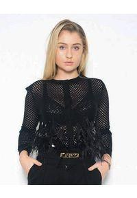 CRISTINAEFFE - Czarny sweter z piórami. Kolor: czarny. Materiał: materiał. Długość: długie. Wzór: ażurowy, aplikacja