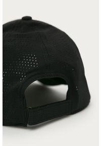 Czarna czapka z daszkiem Under Armour z nadrukiem