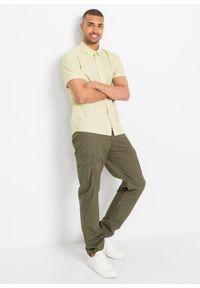 Koszula z krótkim rękawem Slim Fit bonprix biały z nadrukiem. Kolor: biały. Długość rękawa: krótki rękaw. Długość: krótkie. Wzór: nadruk