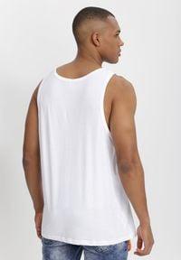 Born2be - Biała Koszulka Praxossia. Kolor: biały