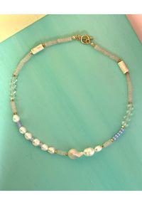 BONK IBIZA - Koralikowy naszyjnik z perłami Cara. Materiał: pozłacane, metalowe. Kolor: biały. Kamień szlachetny: perła