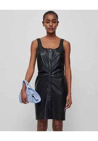 NANUSHKA - Sukienka ze skóry wegańskiej Ernie. Kolor: czarny. Materiał: skóra. Długość rękawa: na ramiączkach. Styl: klasyczny. Długość: mini