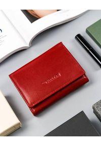 4U CAVALDI - Poziomy portfel damski czerwony Cavaldi RD-17-GCL-6313 RED. Kolor: czerwony. Materiał: skóra