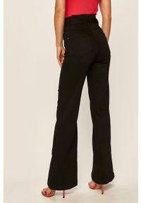 Czarne jeansy bootcut Guess Jeans z podwyższonym stanem, w kolorowe wzory