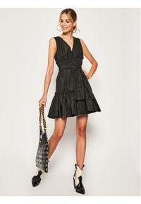 iBlues Sukienka koktajlowa Arnica 72211401 Czarny Regular Fit. Kolor: czarny. Styl: wizytowy