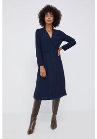 Pepe Jeans - Sukienka Catherine. Okazja: na co dzień. Kolor: niebieski. Materiał: tkanina, materiał. Długość rękawa: długi rękaw. Wzór: gładki. Typ sukienki: proste. Styl: casual
