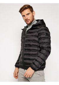 Czarna kurtka zimowa Invicta