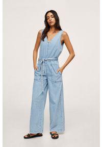 mango - Mango - Kombinezon jeansowy Dalia. Kolor: niebieski. Materiał: jeans. Wzór: gładki