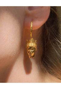 HERMINA ATHENS - Pozłacane kolczyki Tyche. Materiał: pozłacane. Kolor: złoty. Kamień szlachetny: turkus, perła
