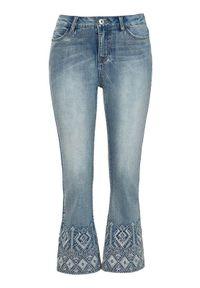Cellbes Krótkie, rozszerzane dżinsy z haftem błękitny denim female niebieski 36. Kolor: niebieski. Materiał: denim. Długość: krótkie. Wzór: haft. Styl: klasyczny
