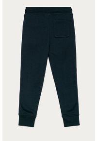 Niebieskie spodnie dresowe GAP z nadrukiem