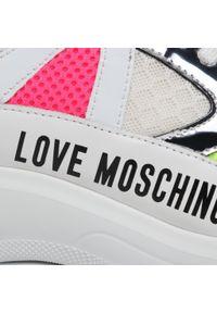 Białe półbuty Love Moschino z cholewką, na płaskiej podeszwie