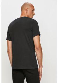 Jack & Jones - T-shirt. Okazja: na co dzień. Kolor: czarny. Materiał: dzianina, bawełna. Wzór: gładki. Styl: casual #2