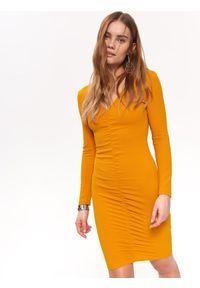 Pomarańczowa sukienka TOP SECRET z dekoltem w serek, na co dzień