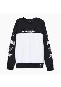 Cropp - Bluza z nadrukiem - Czarny. Kolor: czarny. Wzór: nadruk