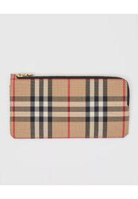 Burberry - BURBERRY - Skórzany portfel w kratkę. Kolor: beżowy. Materiał: skóra. Wzór: kratka