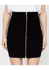 Balmain - BALMAIN - Spódnica mini z suwakiem. Stan: podwyższony. Kolor: czarny. Materiał: materiał. Styl: klasyczny