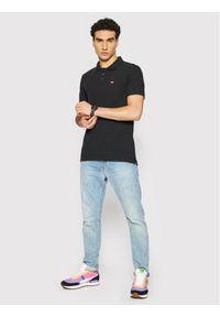 Levi's® Polo Standard Housemarked 35883-0007 Czarny Regular Fit. Typ kołnierza: polo. Kolor: czarny