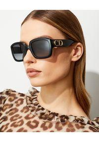 DIOR - Okulary przeciwsłoneczne DDiorF. Kształt: motyl. Kolor: czarny. Wzór: aplikacja
