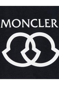 MONCLER KIDS - Biała koszulka z nadrukiem 0-3 lat. Okazja: na co dzień. Kolor: biały. Materiał: materiał. Wzór: nadruk. Sezon: lato. Styl: klasyczny, casual