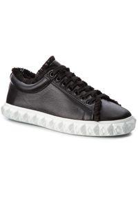Stuart Weitzman - Sneakersy STUART WEITZMAN - Fringiecoverstory XL17418 Nero Nubo. Okazja: na co dzień. Kolor: czarny. Materiał: skóra. Szerokość cholewki: normalna. Styl: casual