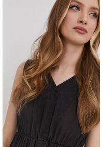 Answear Lab - Sukienka. Kolor: czarny. Materiał: tkanina, koronka. Wzór: gładki. Typ sukienki: rozkloszowane. Styl: wakacyjny
