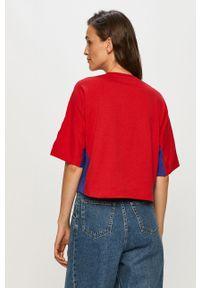 Czerwona bluzka Champion z okrągłym kołnierzem, z nadrukiem, casualowa, na co dzień