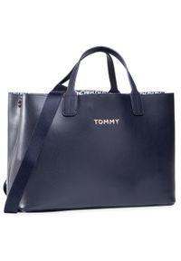 Niebieska torebka klasyczna TOMMY HILFIGER casualowa