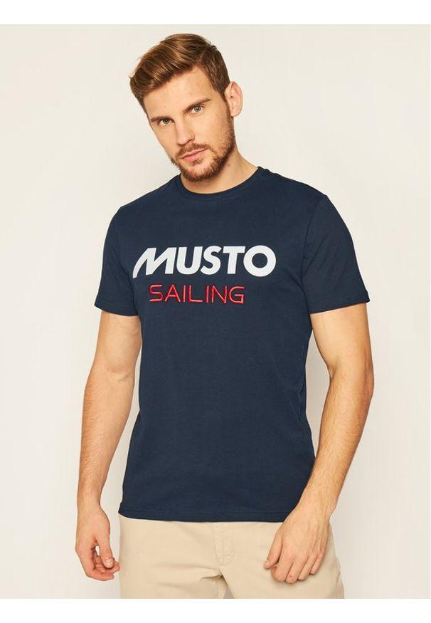 Musto T-Shirt 82020 Granatowy Regular Fit. Kolor: niebieski