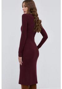 Pinko - Sukienka z domieszką wełny. Kolor: czerwony. Materiał: wełna. Wzór: gładki. Typ sukienki: dopasowane