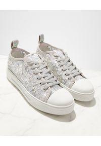 RENE CAOVILLA - Sneakersy z kryształami Swarovskiego Cinderella. Kolor: szary. Materiał: koronka, guma. Szerokość cholewki: normalna. Wzór: koronka