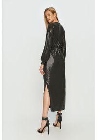 Czarna sukienka only prosta, z długim rękawem, maxi