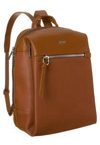DAVID JONES - Plecak z kieszenią na tablet koniakowy David Jones CM6075 CONIAC. Materiał: skóra ekologiczna