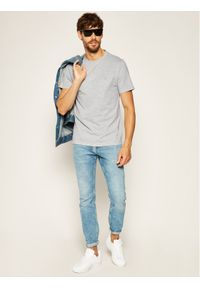 Guess T-Shirt Cn Rn Tee M0YI36 I3Z11 Szary Slim Fit. Kolor: szary