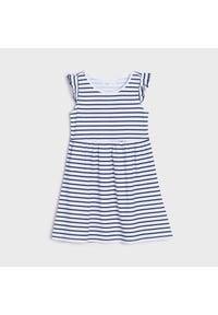 Sinsay - Sukienka w paski - Biały. Kolor: biały. Wzór: paski #1
