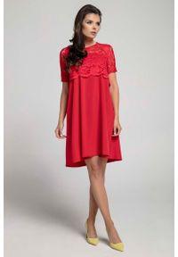 Nommo - Czerwona Wizytowa Sukienka Trapezowa z Koronkową Nakładką. Kolor: czerwony. Materiał: koronka. Typ sukienki: trapezowe. Styl: wizytowy