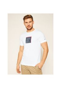Biały t-shirt TOMMY HILFIGER z nadrukiem