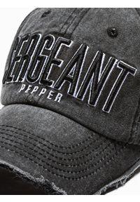Czarna czapka Ombre Clothing