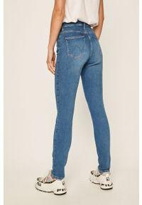 Wrangler - Jeansy. Kolor: niebieski. Materiał: jeans. Wzór: aplikacja #3