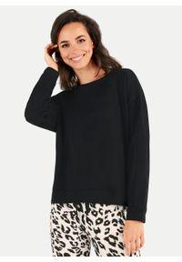 Czarna bluza klasyczna