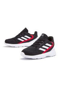 Adidas - ADIDAS NEBZED SHOES > EG3937. Zapięcie: sznurówki. Materiał: syntetyk. Szerokość cholewki: normalna. Model: Adidas Cloudfoam