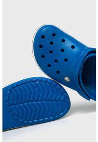 Crocs - Klapki. Kolor: niebieski. Materiał: materiał. Wzór: gładki