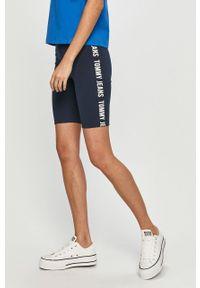 Niebieskie szorty Tommy Jeans casualowe, z nadrukiem, na co dzień