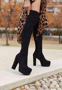 Born2be - Czarne Kozaki Turvey. Wysokość cholewki: za kolano. Nosek buta: okrągły. Zapięcie: zamek. Kolor: czarny. Szerokość cholewki: normalna. Sezon: zima. Obcas: na obcasie. Wysokość obcasa: wysoki