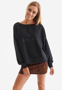 Born2be - Czarna Bluza Badura Velylia. Kolor: czarny. Materiał: bawełna, dzianina, materiał, poliester. Długość rękawa: długi rękaw. Długość: długie. Wzór: haft