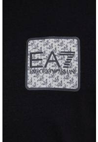 EA7 Emporio Armani - T-shirt. Okazja: na co dzień. Kolor: czarny. Materiał: dzianina. Wzór: aplikacja. Styl: casual